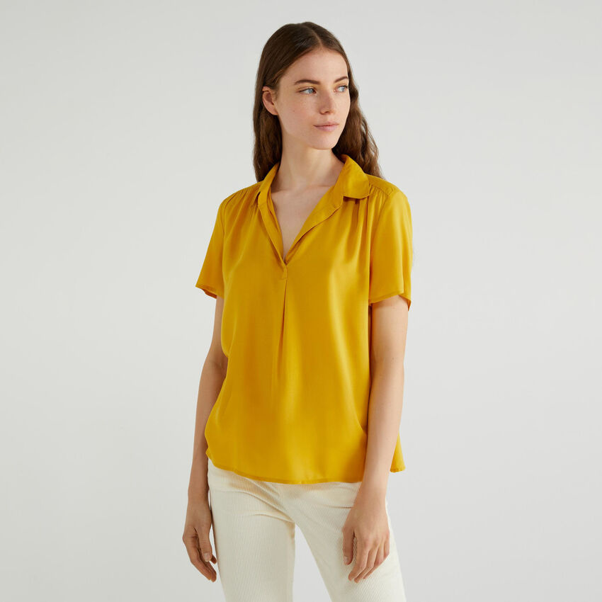 Blouse with V-neck