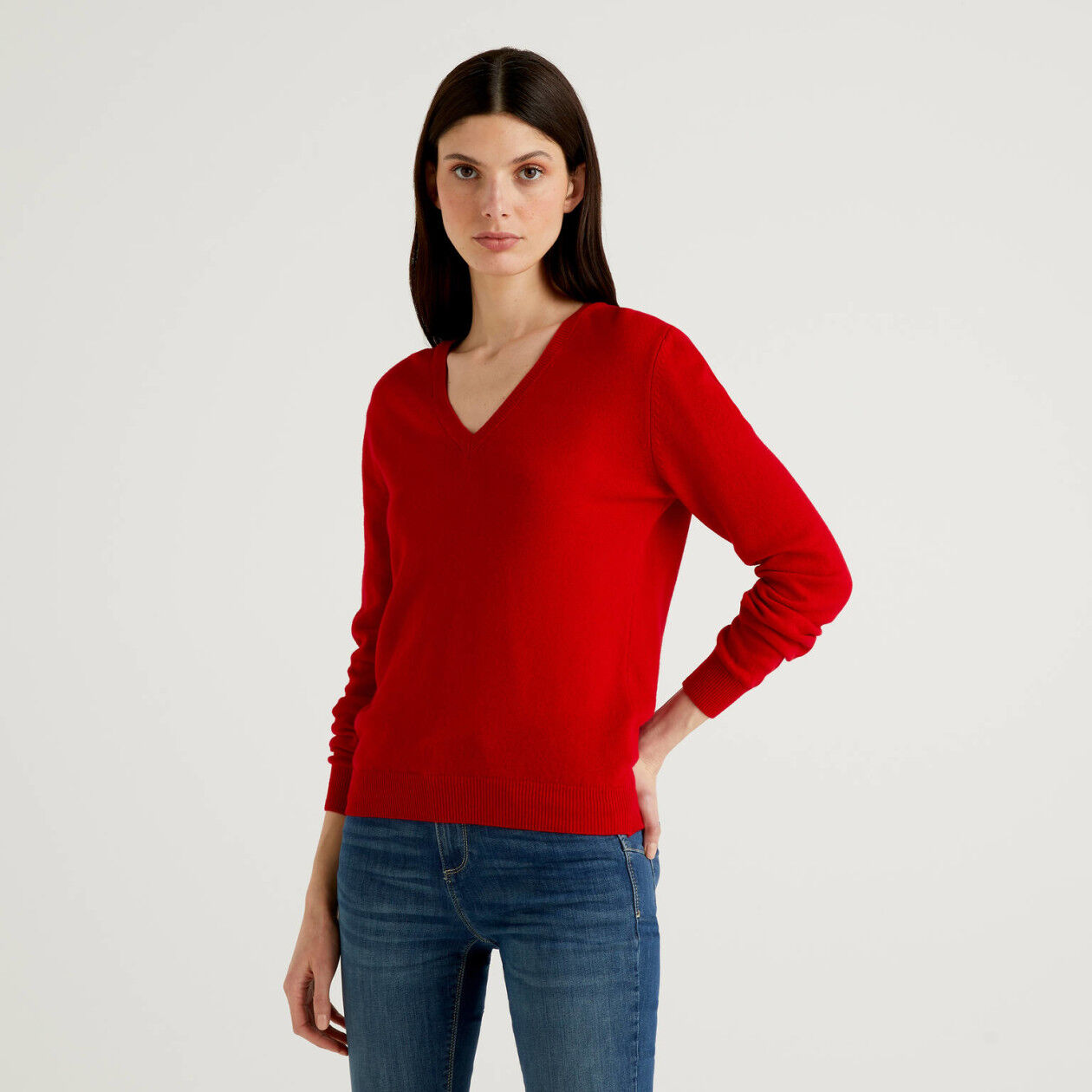 Sweater with V-neck in pure virgin wool