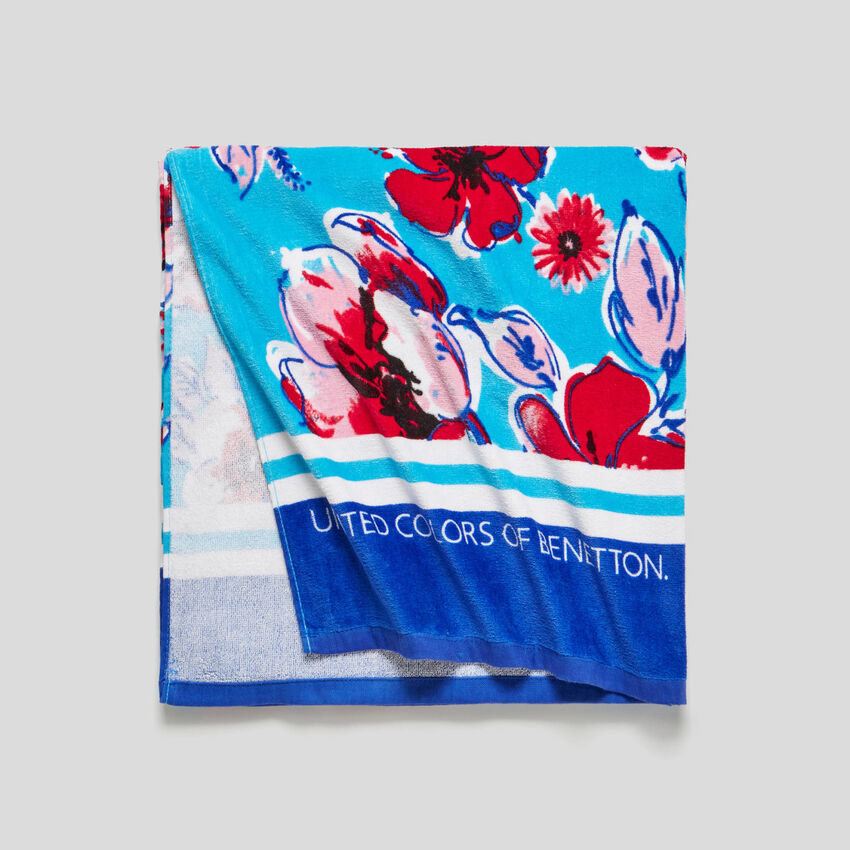 Beach towel with allover print