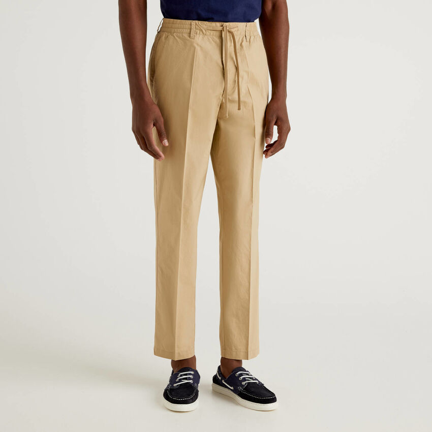 Light trousers with drawstring