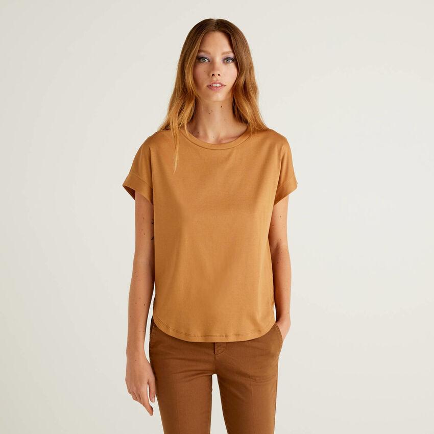 Kimono sleeve t-shirt in 100% cotton