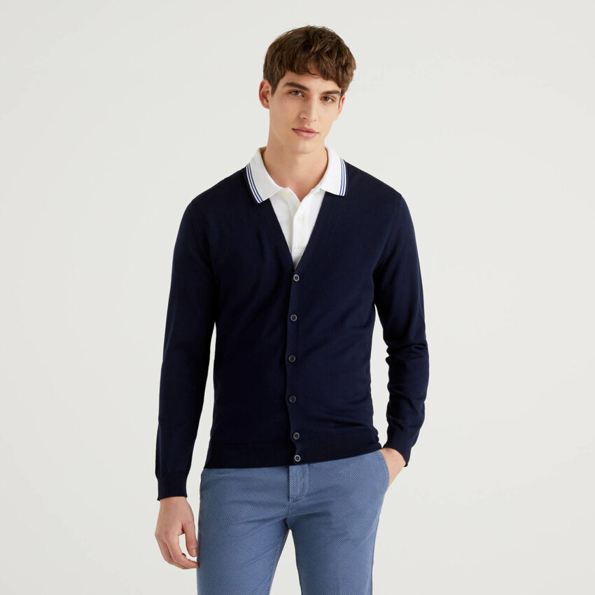Cardigan in 100% cotton with V-neck