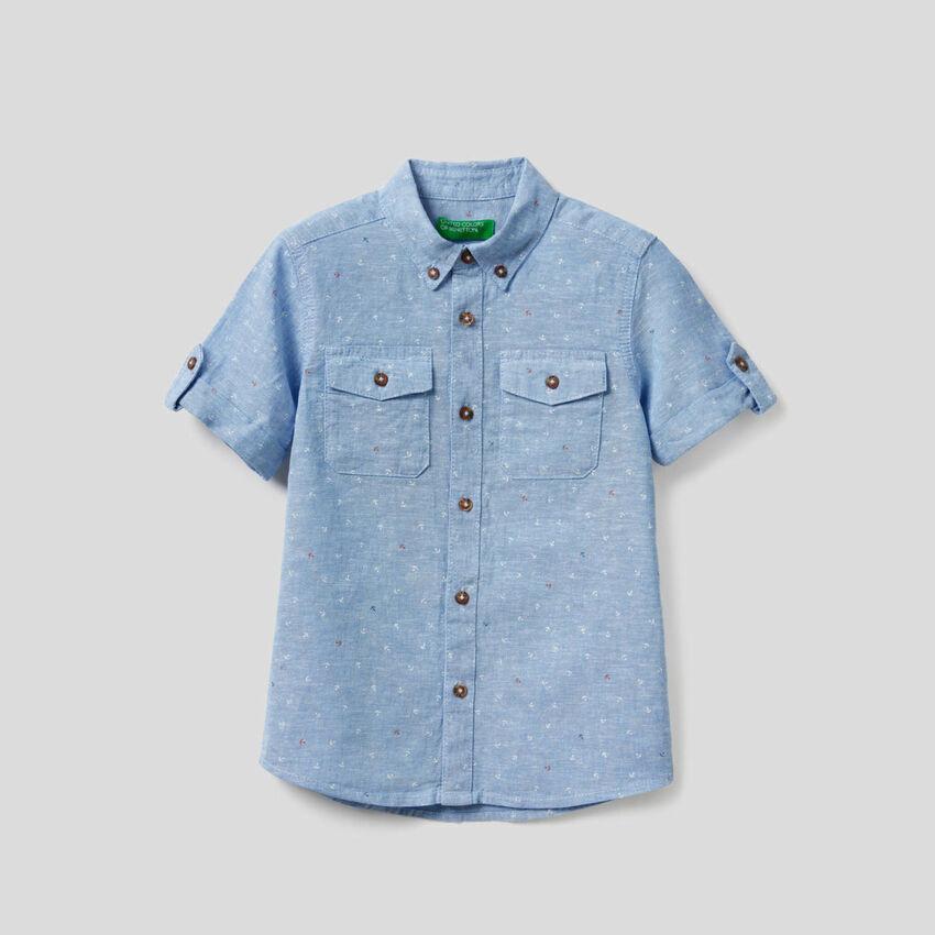 Sporty shirt in linen blend cotton