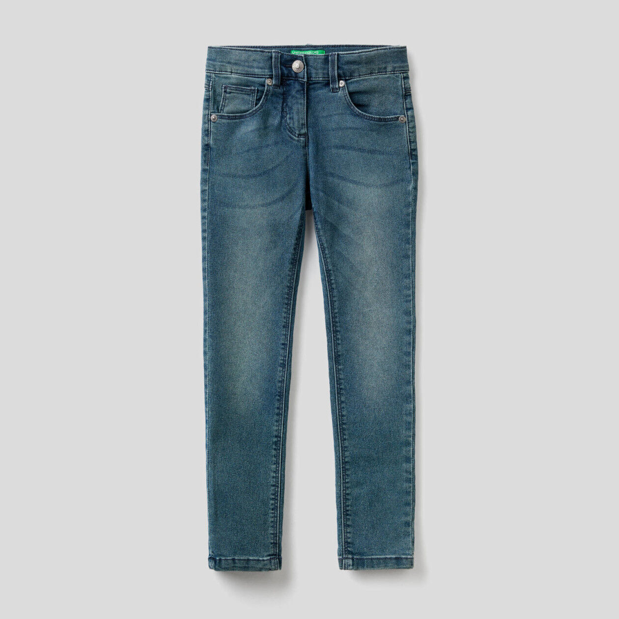 Low-waisted skinny fit jeans