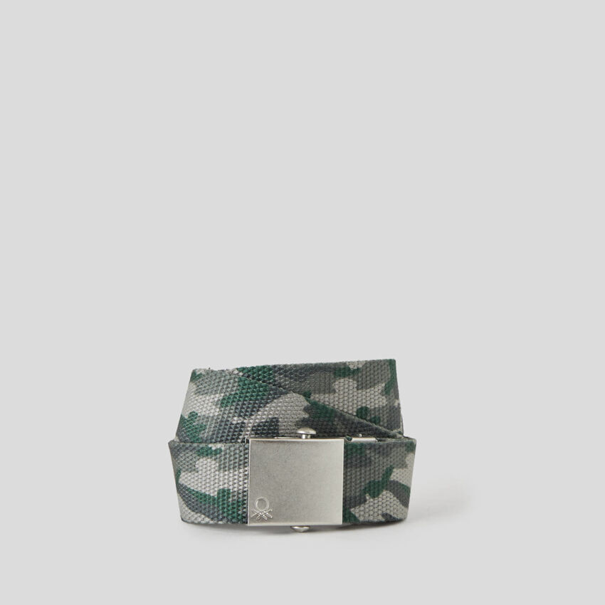 Belt with buckle plate