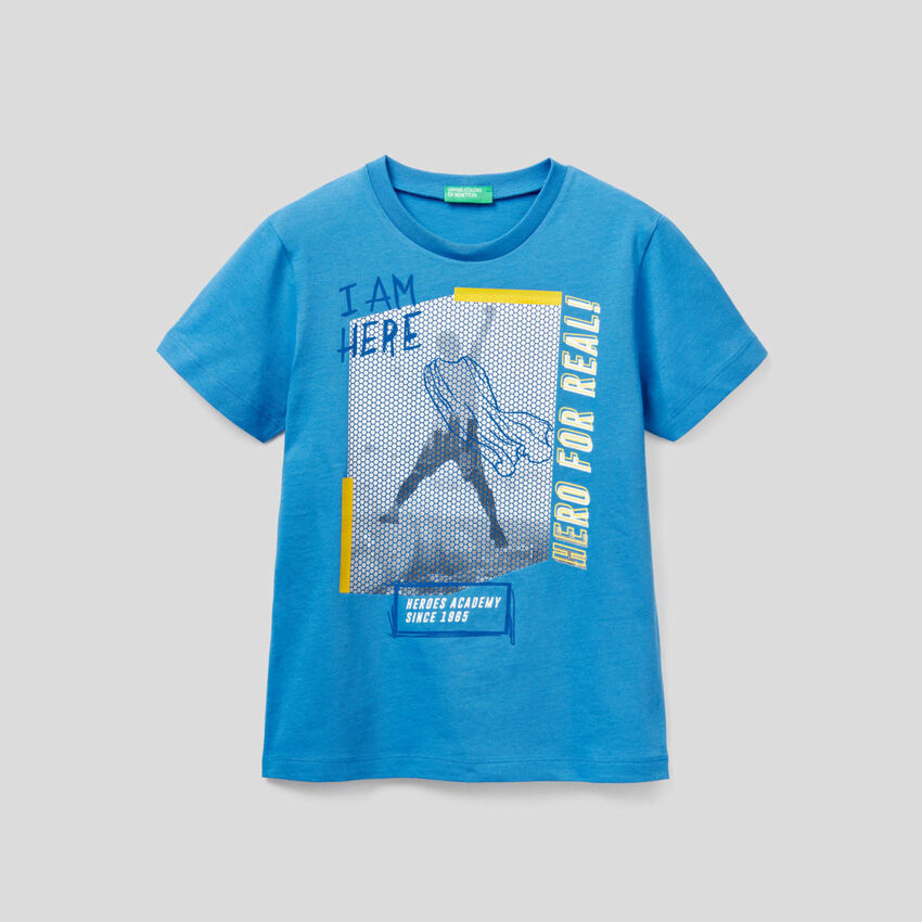 T-shirt with graphic print