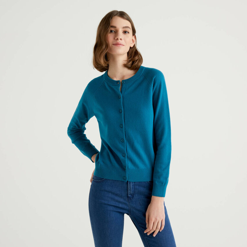 Teal crew neck cardigan in cashmere and wool blend