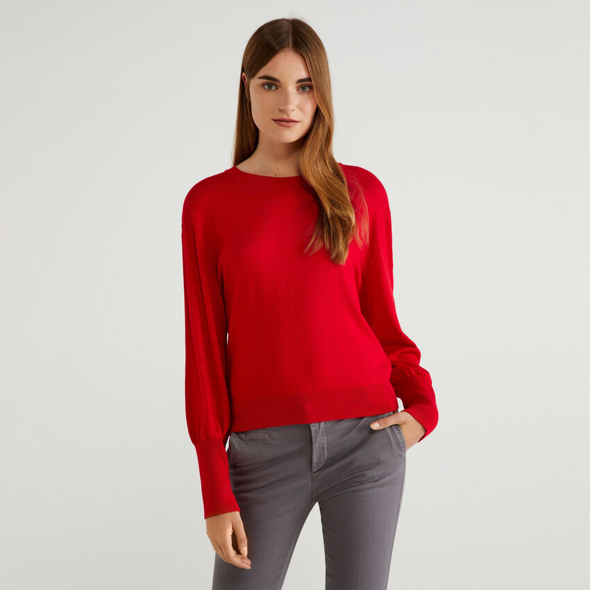 Sweater with puff sleeves