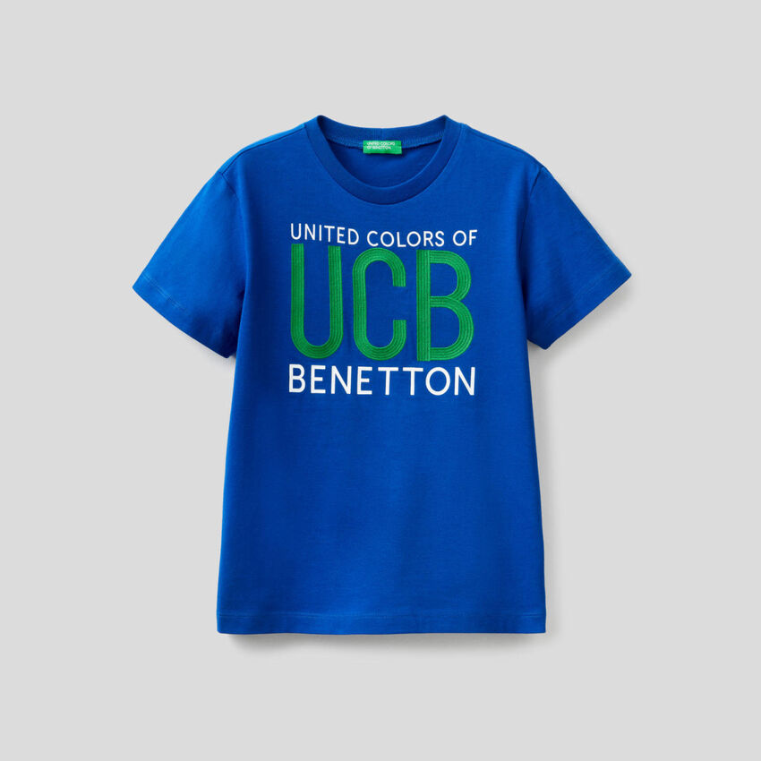 100% cotton t-shirt with embroidered logo