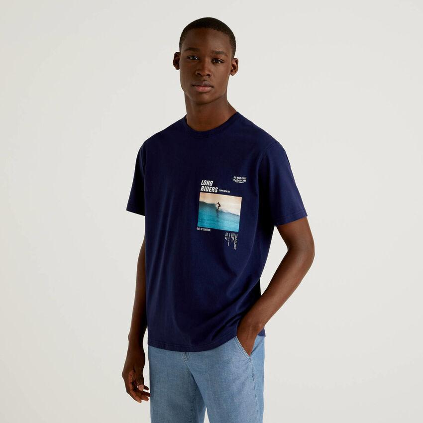 Dark blue t-shirt with photographic print