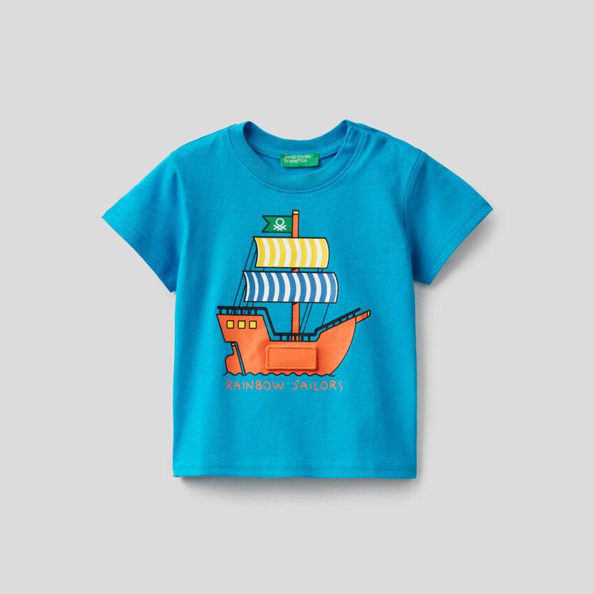 Light blue t-shirt with ship print
