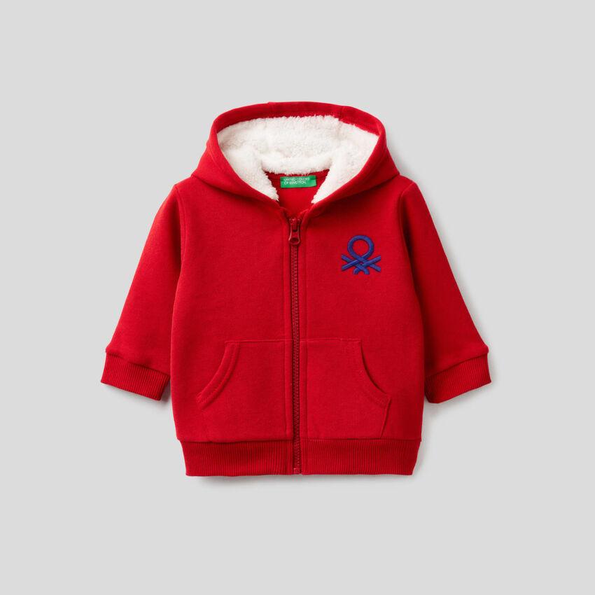 Sweatshirt with fleece-lined hood