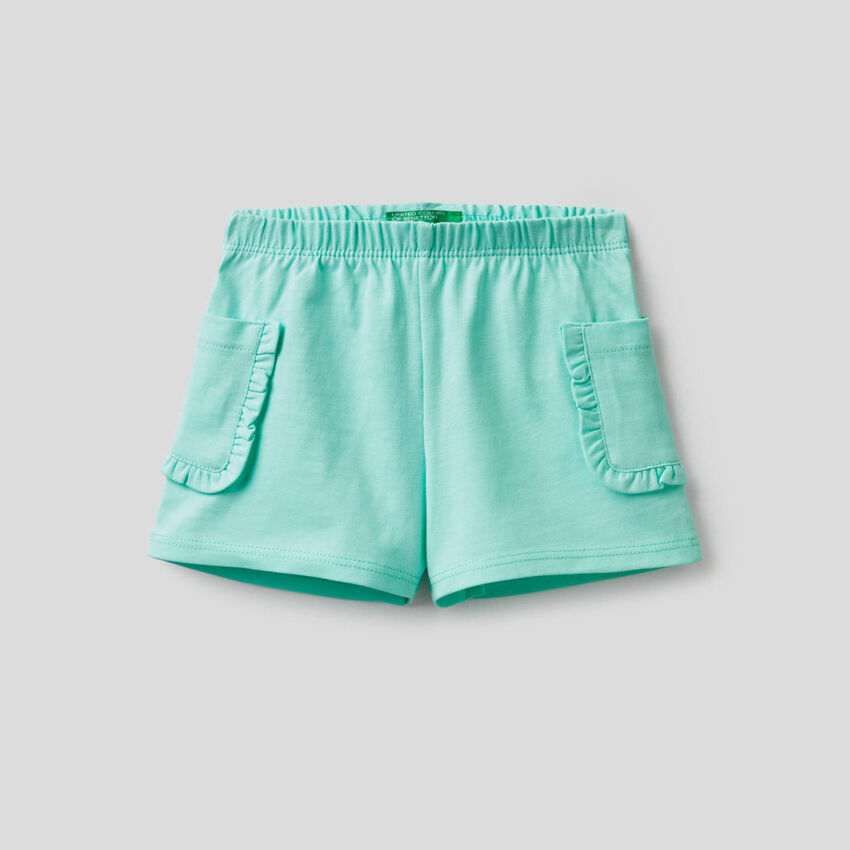 Shorts with pockets and rouches