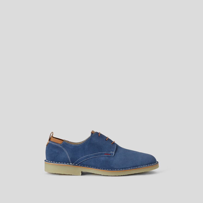 Lace-up shoes in genuine leather