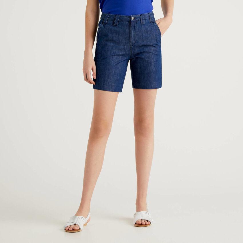 Shorts in lightweight denim