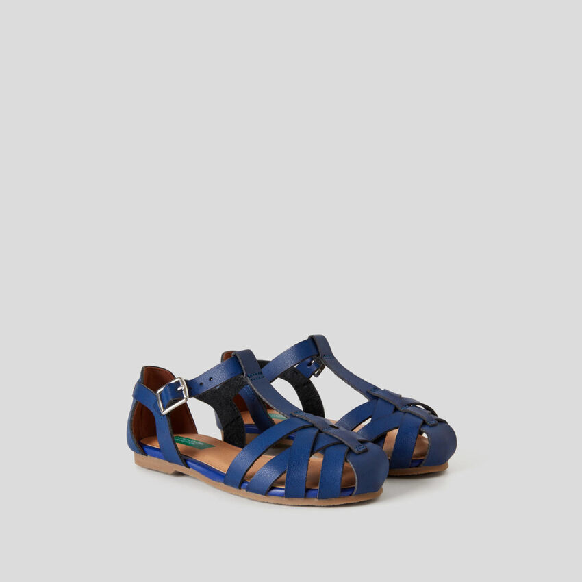 Sandals with braided upper