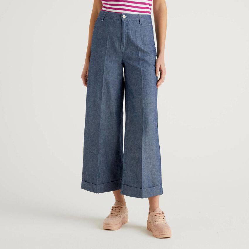 Trousers with cuff in lightweight denim