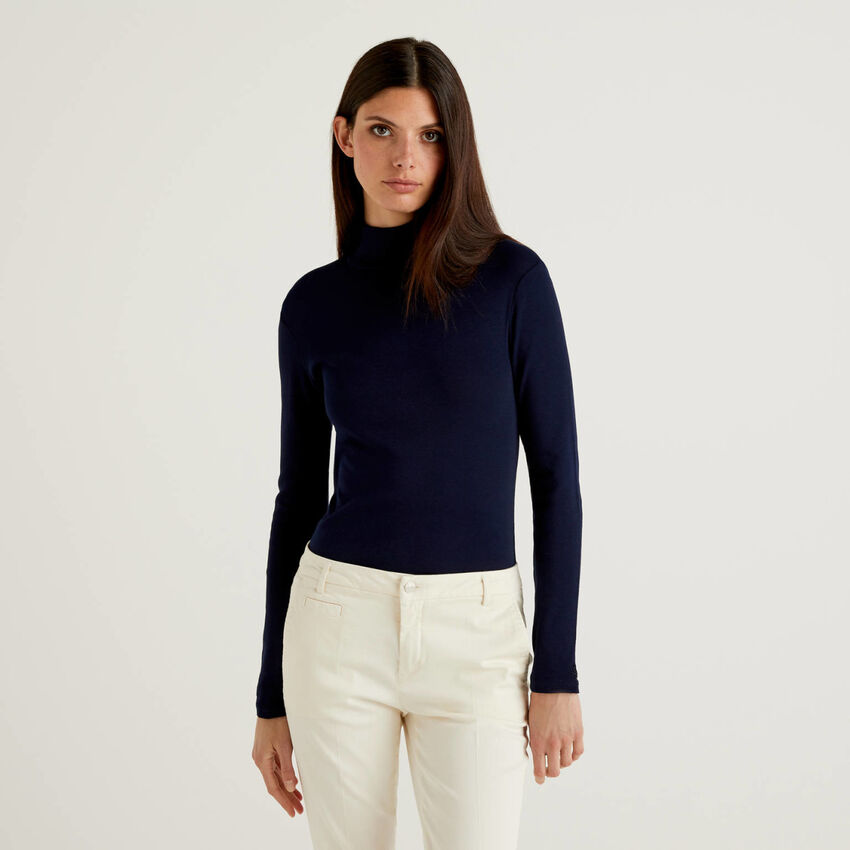 Long sleeve t-shirt with high neck