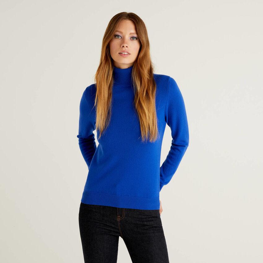 Cornflower blue turtleneck sweater in pure virgin wool